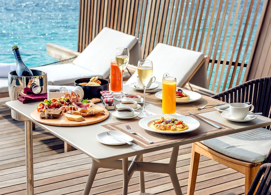 breakfast photograph of st regis maldives taken by mediatropy